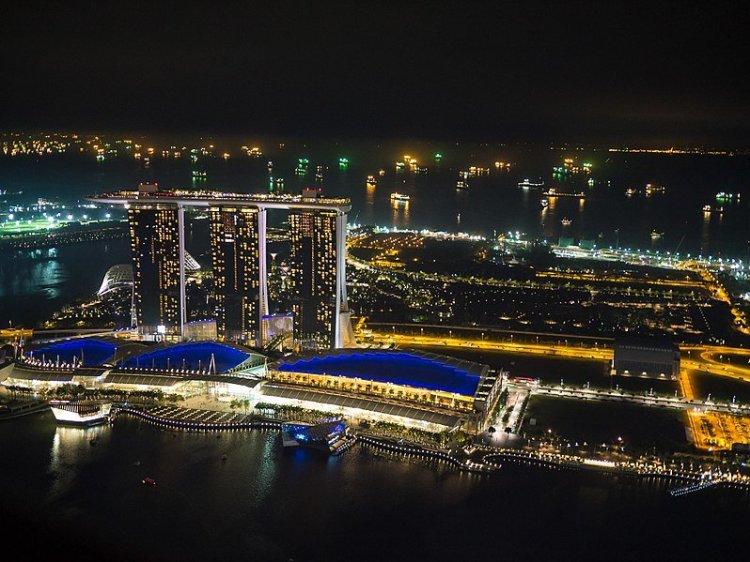 798px-Views_from_1-Altitude_2C_Singapore_-_panoramio